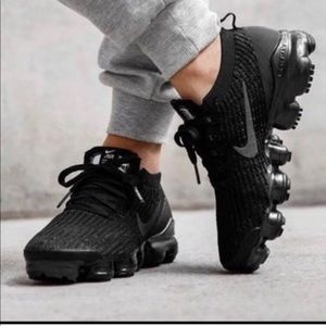 Sold. Nike air vapor max women's 7y or 8.5